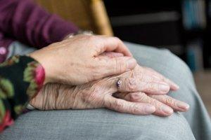 Ayuda dependencia La Fundación San Prudencio personas mayores dependientes