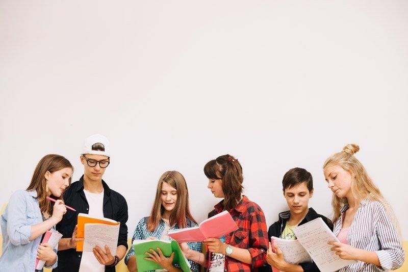 Ayuda educación estudio universidad La Fundación