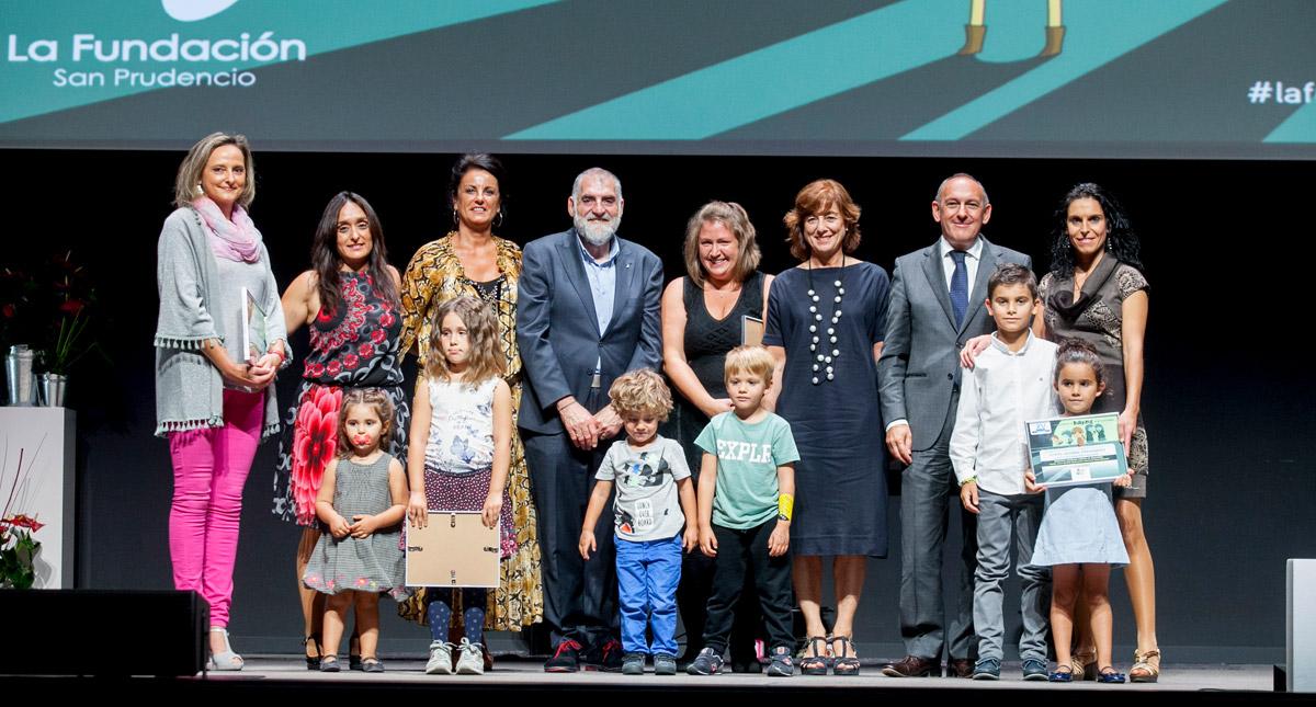 ganadores Premios Familia 2017 evento para familias en Vitoria de La Fundación San Prudencio